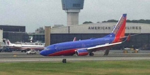 22-07-2013 - USA -  Problème d'atterrissage à l'aéroport de La Guardia à New York: 10 blessés