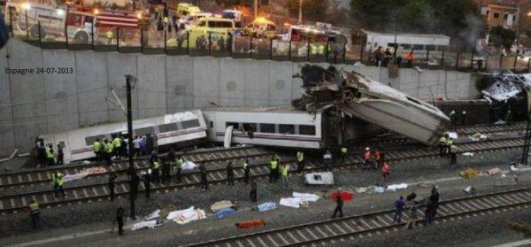 24-07-2013 - Espagne - Catastrophe ferroviaire - Au moins 80 personnes sont mortes quand un train a déraillé à Saint-Jacques de Compostelle, dans le nord-ouest de l'Espagne