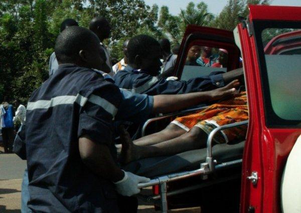 24-09-2013 - Khodoba, Route de Thiès, 6 morts et une vingtaine de blessés dans une collision entre un bus et un camion
