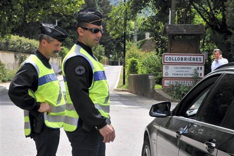 14-10-2013 - France - Collobrières - Accident autocar - Un mort et deux blessés dans un accident de bus sur la RD14 à Collobrières dans le Var.