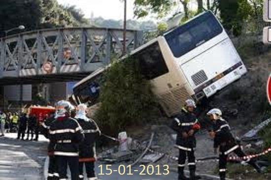 15-01-2013 - Algérie - Bejaïa - Mort d'un enfant de 6 ans et plusieurs blessés suite au renversement d'un car à Tichy