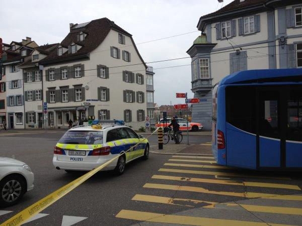 22-04-2013 - Suisse - Bâle - un Français de 42 ans a réussi à immobiliser un bus dont la conductrice était inconsciente.