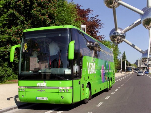 30-05-2012 - Espagne - Vittoria - Pays Basque Espagnol - Stopper pour un banal contrôle routier, l'autocar du voyagiste Verdié a été immobilisé pendant cinq heures sur un parking en plein soleil avec 50 enfants et adultes à son bord.