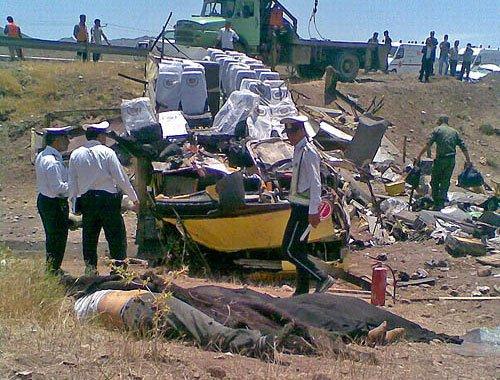 08-01-2014 - Iran - Mashhad - Torbat - Accident d'autocar mortel au centre de Mashhad Torbat : bilan quatre tués et trente-cinq blessés