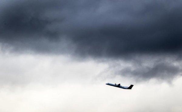 03-01-2014 - Bruxelles - Zaventem - L'aéroport de Bruxelles Zaventem bloqué par la foudre. Toutes les activités aéroportuaires suspendues temporairement, les passagers bloqués sur place.