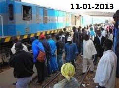 11-01-2014 - 12-01-2014 - Dakar - Tivaouane - Thiès -   Collision entre un train et un bus à destination de Tivaouane. Un deuxième accident impliquant un autocar et un autobus (camion) s'est produit le jour suivant. bilan 5 morts & 6 bléssés.