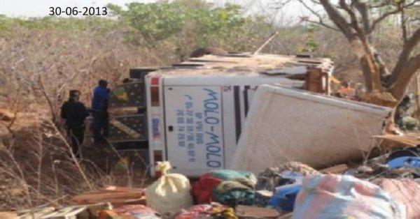 30-08-2013 - Côte d'Ivoire - Collision frontale entre deux bus - Un des autocars s'est retrouvé sans freins face à l'autre - bilan :114 blessés