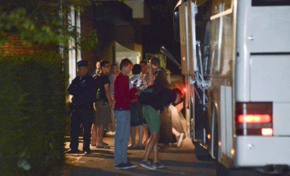 07-07-2013 - France - Orléans - Chaumont-sur-Tharonne - Le chauffeur d'un autocar des Flandres (Belge) s' assoupit au volant, le véhicule quitte l'autoroute A71 et se retourne dans le fossé. Bilan :10 enfants blessés dans l' accident du bus belge à Orléans.