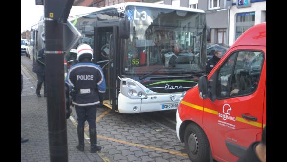 22-02-2014 - Wattrelos - l'enfant mutilé par un bus vous a fait réagir sur Facebook