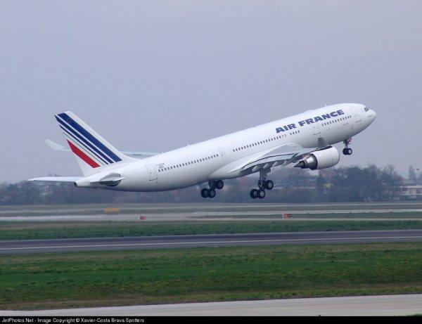 01-06-2009 - Accident vol régulier de l' Airbus A330 d' Air France entre Rio de Janeiro Galeão et Paris Charles de Gaulle - Vol AF447 Rio-Paris - 228 victimes.