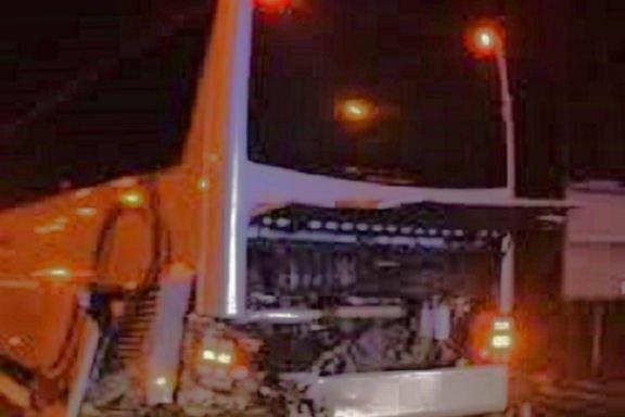 12-04-2014 - Belgique - Gosselies - Une Mercedes rentre dans un car transportant des enfants sur la E42 à Gosselies: un mort