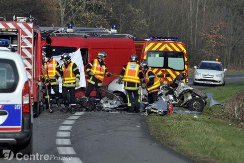 21-03-2012 - Auvergne - Mozac - Accident mortel entre un bus et une voiture