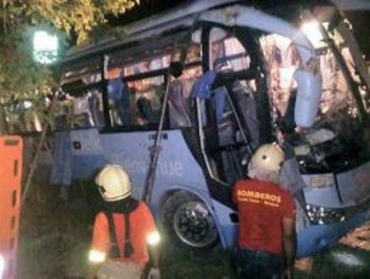 07-06-2012 - République Dominicaine -  Une Française rescapée de l'accident qui a fait trois morts et 23 blessés parmi des touristes français accable le chauffeur de leur car.