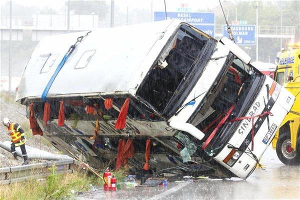 19-07-2014 - Allemagne - Dresde (est de l'Allemagne) - au moins 10 morts et 50 blessés dans une collision entre cars polonais sur l'autoroute - Polijas autobusa un mikroautobusa sadursmē Vācijā 10 bojāgāju¨ie