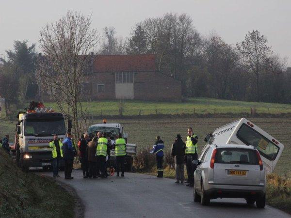 05-12-2013 -   Fontaine Notre Dame - Accident autocar - Car contre camion-benne: 2 morts, 1 blessé grave
