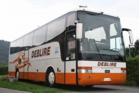 """01-09-2014 - Godinne - La société de cars Deblire, à Godinne """" Je suis forcé d'engager des pensionnés pour faire le ramassage scolaire """""""
