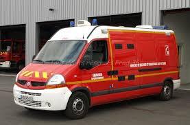 24-09-2014 -  Indre - Déols (36) - Un autobus renverse un jeune homme, blessé il est transporté par lers pompiers de Châteauroux à l'hôpital.