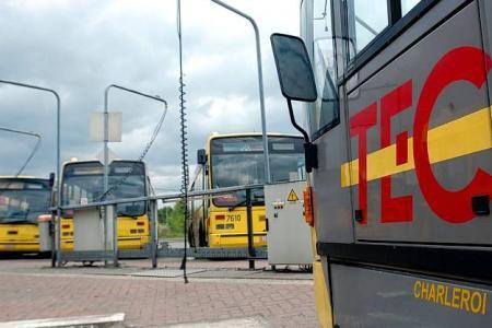 27-02-2013 - La Région wallonne et le TEC Charleroi sont dans leur droit lorsqu'ils souhaitent retirer la concession accordée à la société d'autocars L'Élan pour l'exploitation de la ligne entre l'aéroport de Charleroi (BSCA) et la gare de Bruxelles-Midi
