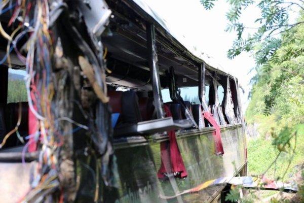 25-10-2014  -  29-07-2014  - Norvège - Trois morts dans un accident de car en Norvège après une sortie de route d'un car de touristes suisses