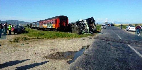 Accidents de train avec un bus, et 36 blessés dans l'est de l'ex-République yougoslave de Macédoine -