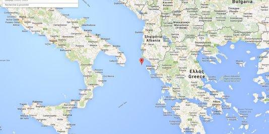 28-12-2014 - Norman-Atlantic - Le navire Italien avec 478 passagers victime d'un incendie au large de la Grèce était toujours en cours - Un mort et plus de 300 passagers bloqués à bord du ferry italien - le sauvetage de centaines de passagers est en cours