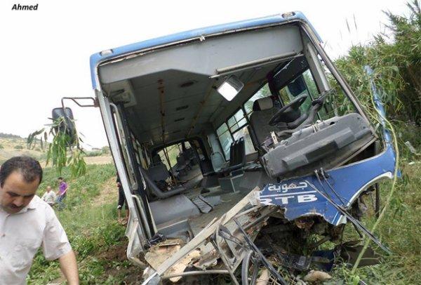 21-05-2014 -  22-05-2014  - Tunisie - Chorban - Ras Jebel - Plus de 40 élèves blessés dans un nouvel accident de bus, près de Ras Jebel (vidéo)