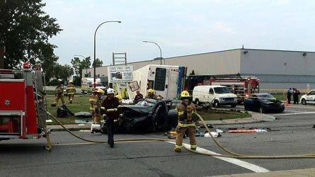14-08-2012  - Canada  - Dorval - Montréal - grave accident d'un autobus de la Société de transport de Montréal (STM), dans un carrefour