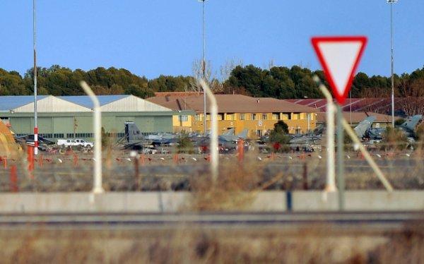 29-01-2015 - Accident grave de l'avion avion militaire F16 en Espagne : l'appareil a eu une panne au décollage.
