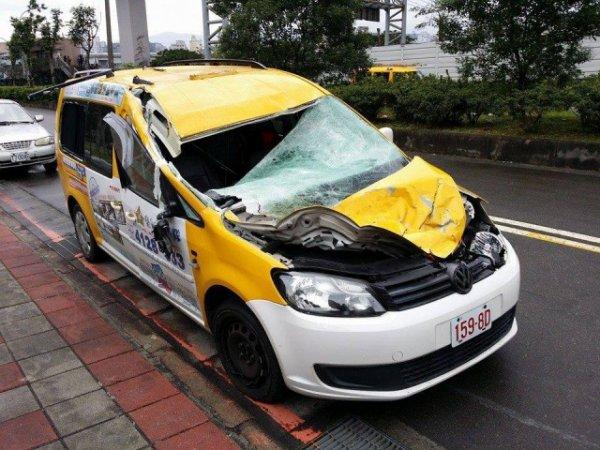 06-02-2015 - Accident de l'avion à Taïwan : Écrasement à Taïwan: les deux moteurs de l'avion étaient à l'arrêt