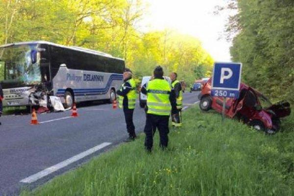 21-05-2015 - Sermiers - Reims - Épernay - Collision entre un utilitaire et un autocar, entre Reims et Épernay