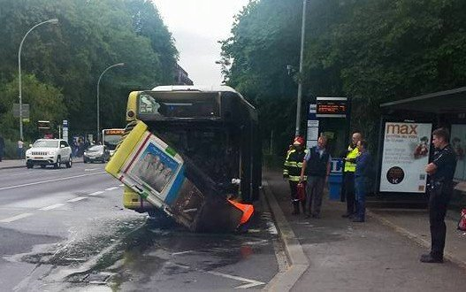 03-08-2015 - Luxembourg – Les 14 autocars de la marque Iribus-Iveco retirés du réseau suite à de graves problèmes de sécurité.