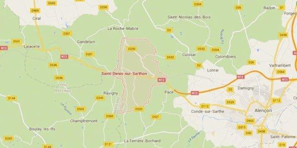 28-09-2015 - France - Orne - Saint-Denis-sur-Sarthon - Accident frontal entre un autocar Anglais et une voiture sur la RN12 entre Gandelain et Saint-Denis-sur-Sarthon, près d'Alençon, dans l'Orne. Une soixantaine d'enfants anglais se trouvaient à bord de l'autocar.