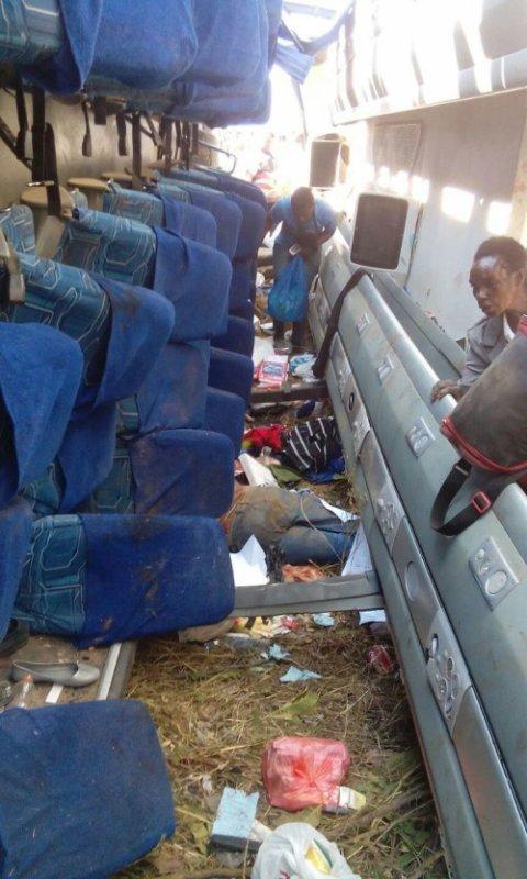 19-07-2015 - Kapiringozi - SOLOMON UDOKA - Grave accident de Bus, 11 passagers meurent sur place dans l'accident.