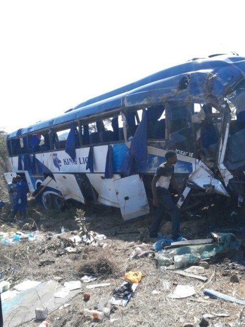 19-07-2015 - Kapiringozi - SOLOMON UDOKA - Grave accident de Bus, 11 passagers meurent sur place dans l'accident.