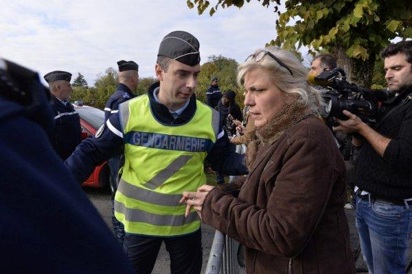 23-10-2015 - France - Puisseguin (Gironde) - Un accident entre un autocar et un camion (collision frontale) transportant du bois. bilan: au moins 42 morts