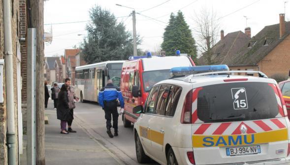 06-02-2016 - Solesmes - percutée par un bus, une femme de 34 ans grièvement blessée