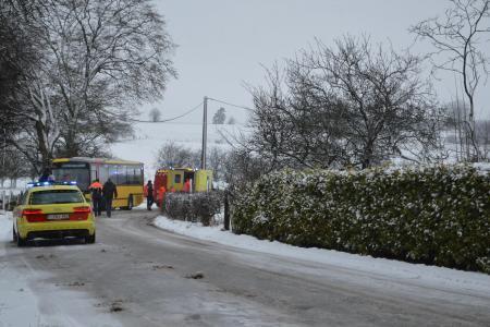 04-03-2016 - Accident Bus des Tec - Assenois (Bertrix): 16 blessés légers lors de cet accident à cause de la neige