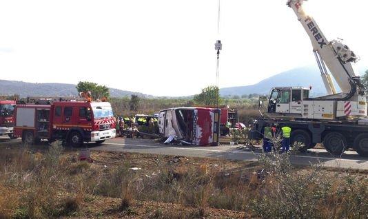 20-03-2016 - Espagne - Barcelonne - Valence - 13 étudiantes Erasmus tuées dans l'accident d'un autocar sur l'autoroute AP-7 à Freginals (Tarragona), un Belge blessé. L'enquête s'oriente vers une erreur humaine du chauffeur.