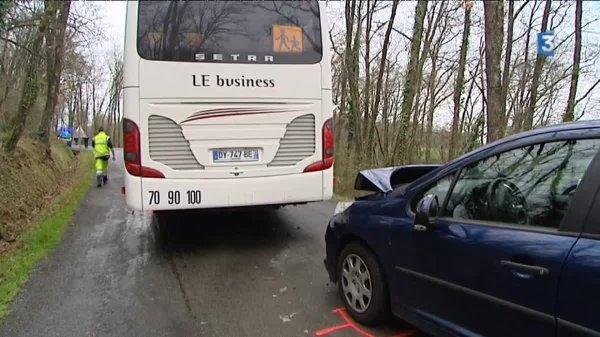 01-04-2016 - Midi-Pyrénées - Tarn - Accident entre un bus scolaire et une voiture, deux blessés