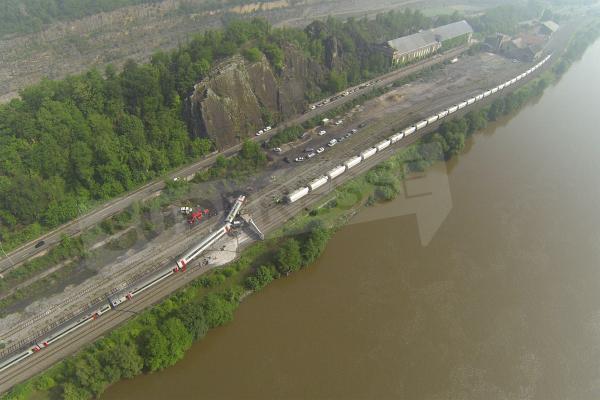 05-06-2016 - Saint-Georges-sur-Meuse -  ligne 125 Namur-Liège  - Grave accident ferroviaire, bilan est de trois morts et dix blessés.