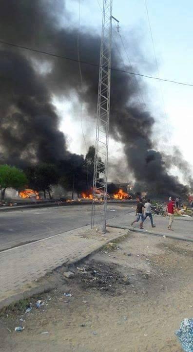 31-08-2016 - Tunisie - Kasserine - Accident grave autocar - collision entre un camion transportant du ciment dont les freins ont lâché  et un car. bilan :15 personnes ont trouvé la mort et 82 blessés.