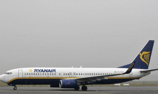"""03-11-2016 - Ryanair - Attérissage suite à une bagarre qui éclate en plein vol Ryanair Bruxelles-Malte: """"C'est totalement inacceptable!"""""""