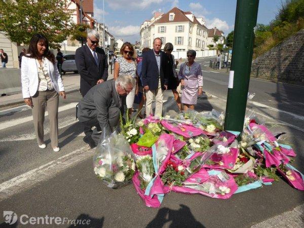 20-09-2016 - Rambouillet - Accident autocar mortel - le chauffeur du bus avait obtenu son permis en juin, une jeune fille décède, une autre grièvement blessée.