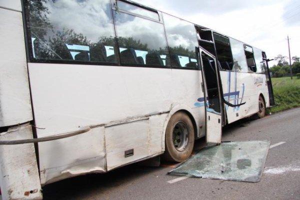 06-06-2017 - Morbihan. Neuf blessés légers dans un accident de car scolaire sur la D10 0 Saint-Marcel.