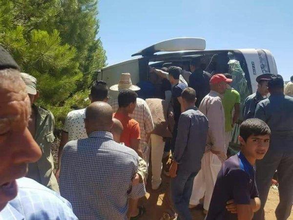 05-06-2017 - Maroc - Khénifra - Accident Autocar - Douze morts et 39 blessés dans un accident d'autocar près de Khénifra