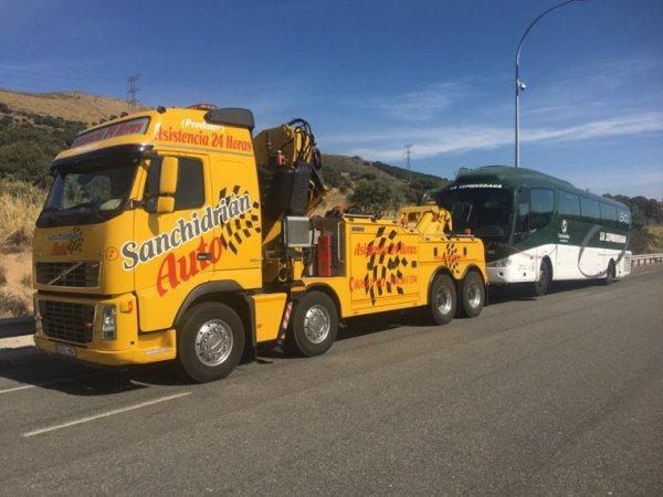 18-08-2017 - Espagne - Assistance autocar 24/24h. Dépannage Sanchidrian Auto, Dépanneuse - soulèvement - grue
