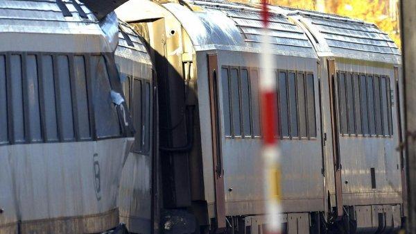 29-11-2017 - Morlanwelz - Un du double accident qui a coûté la vie à deux agents d'Infrabel et fait six blessés - les travaux de remise en état de la voie qui étaient en cours au moment de l'accident à Morlanwelz ont repris.