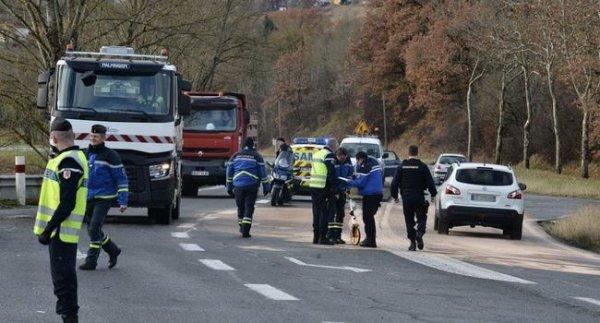 02-12-2017 -   Un jeune de 19 ans, pompier et gendarme volontaire, décède dans une collision avec un bus scolaire