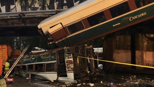 18-12-2017 - Etats unis - Olympia - Etat de Washington - Le déraillement du train de passagers au nord d'Olympia dans l'Etat de Washington ce lundi a fait au moins six morts,