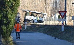 2017-12-16 - France - Millas - Saint-Féliu-d'Avall - Pyrénées-Orientales - Grave accident mortel d'autocar - six enfants décédés - C'est le pot de fer contre le pot de terre - Il est inadmissible que la SNCF fasse porter la responsabilité à la conductrice de bus et la SNCF ne veut pas assumer ses responsabilités.